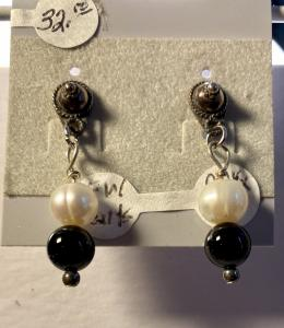 Fresh Water Pearl & Onyx #944, $32.00