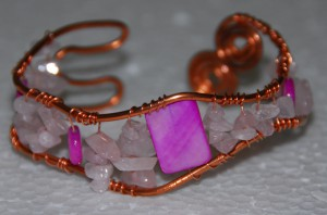 Copper wire Cuff bracelet, pink Mother of Pearl, rose quartz chips