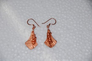 Copper hammered Earrings #319