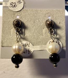 Fresh Water Pearl & Onyx #944, $32.00