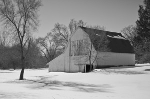 Winter Barn BW